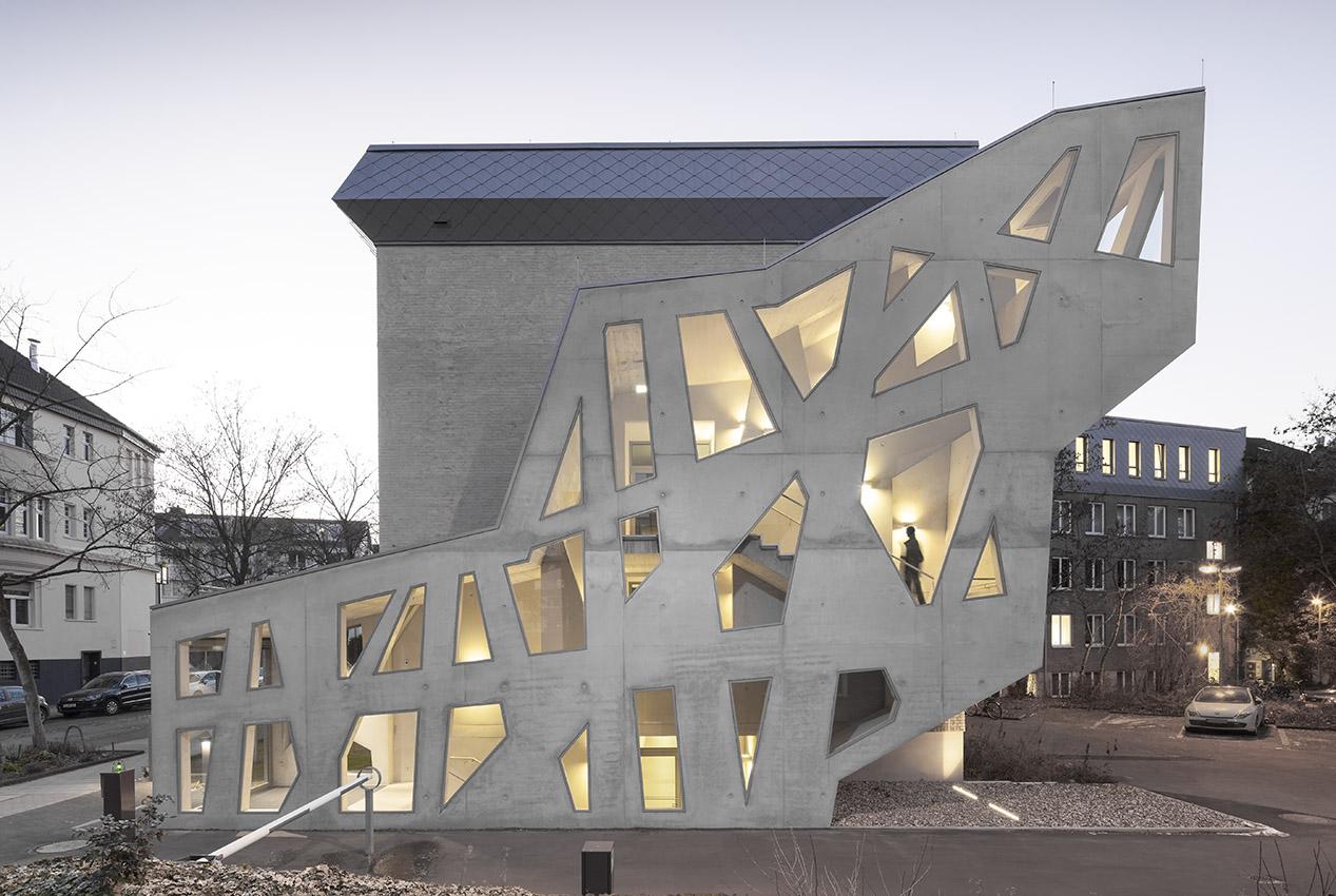 Architektur Köln treppenhaus mathematisches institut universität köln 3pass
